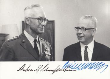 Heinemann (+), Gustav & Jackson Goodpaster (USA), General Andrew